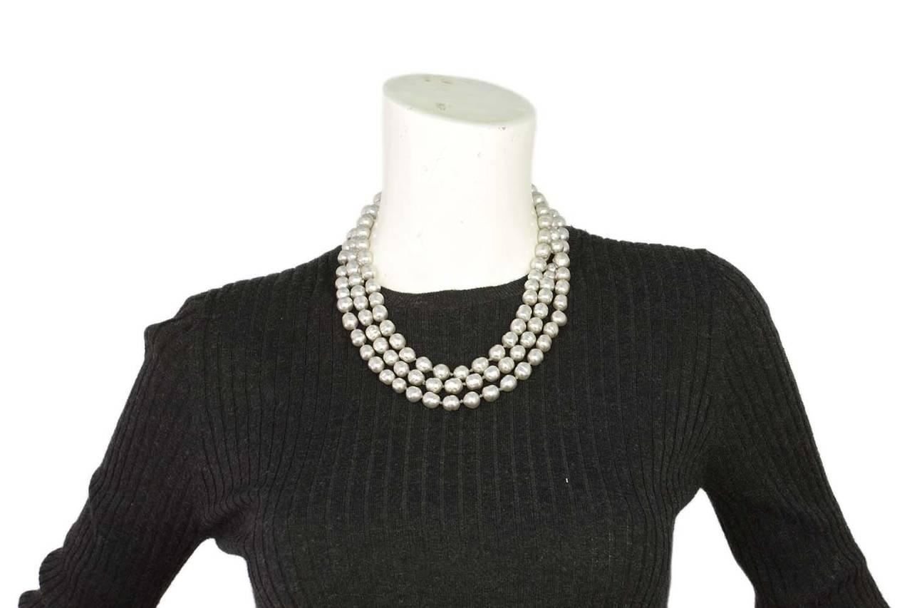 """CHANEL Vintage 1980's Grey 60"""" Pearl Necklace 6"""