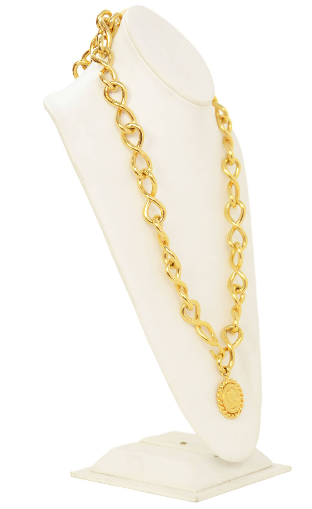 Chanel Vintage Gold Chain Link Belt/Necklace w/Coin PendantFeatures dangling coin/Coco charm