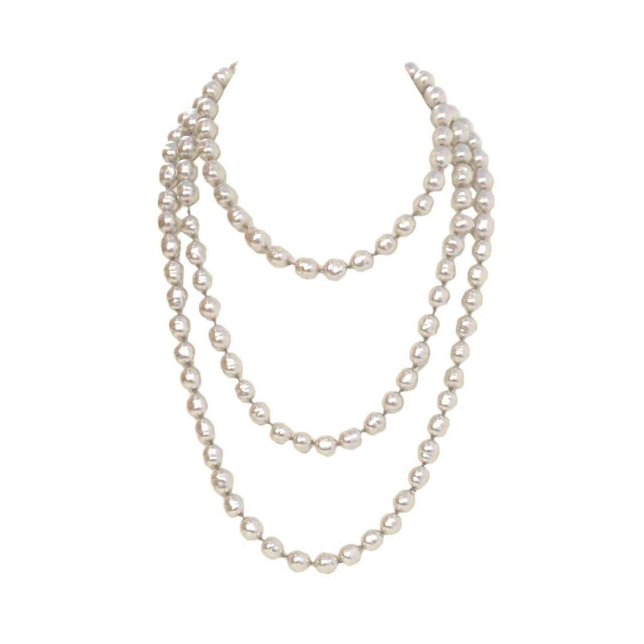 """CHANEL Vintage 1980's Grey 60"""" Pearl Necklace 1"""