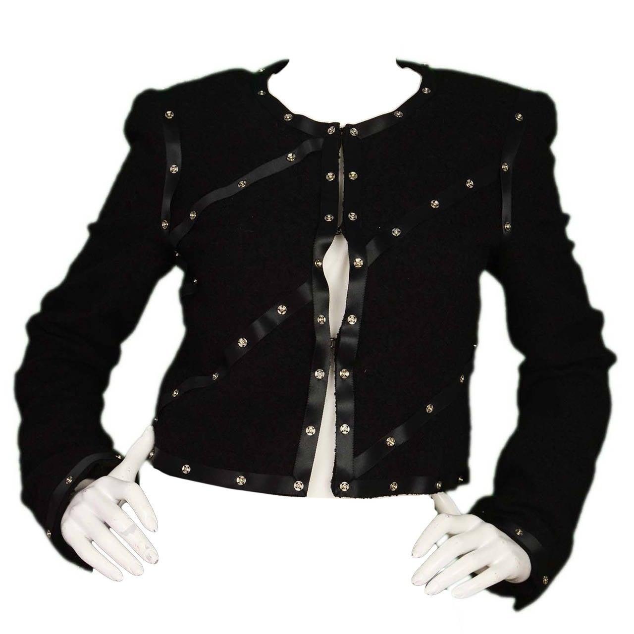 CHANEL 2003 Black Boucle Cropped Jacket w/Snap Detailing sz 40 1