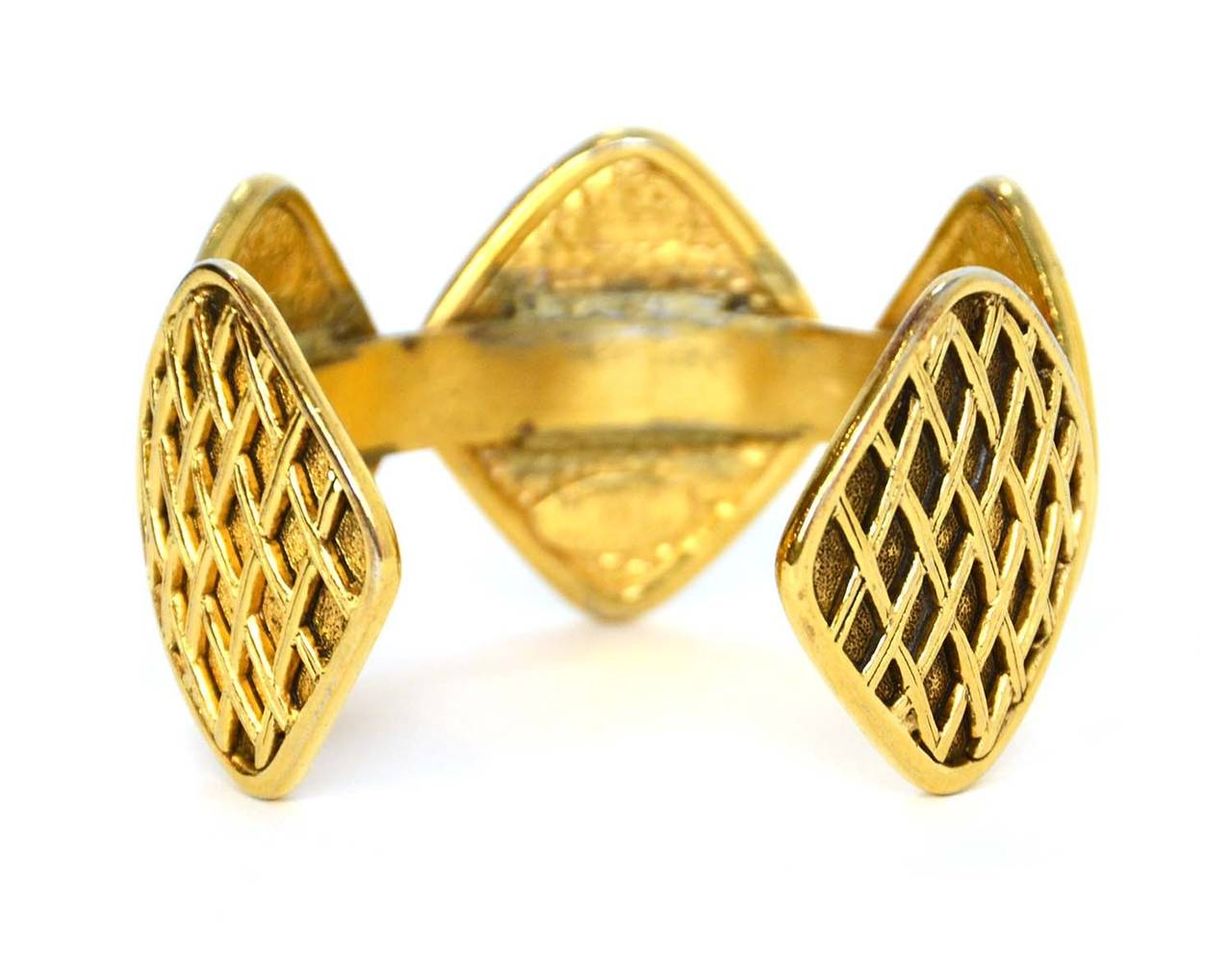 Chanel Vintage '90s Gold Quilted Medallion Cuff Bracelet In Excellent Condition For Sale In New York, NY