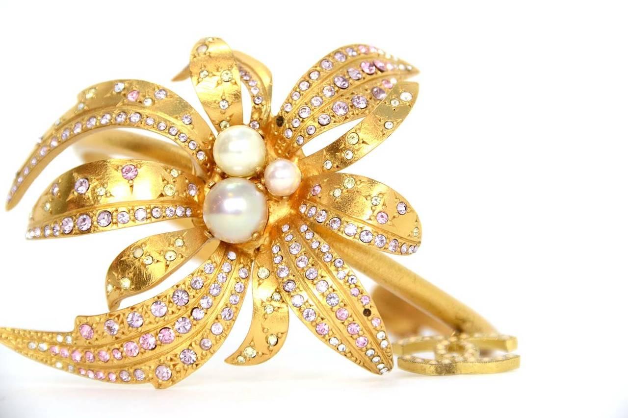 CHANEL 2002 Gold Bracelet w/Pink Rhinestone Flower & Pearls 5