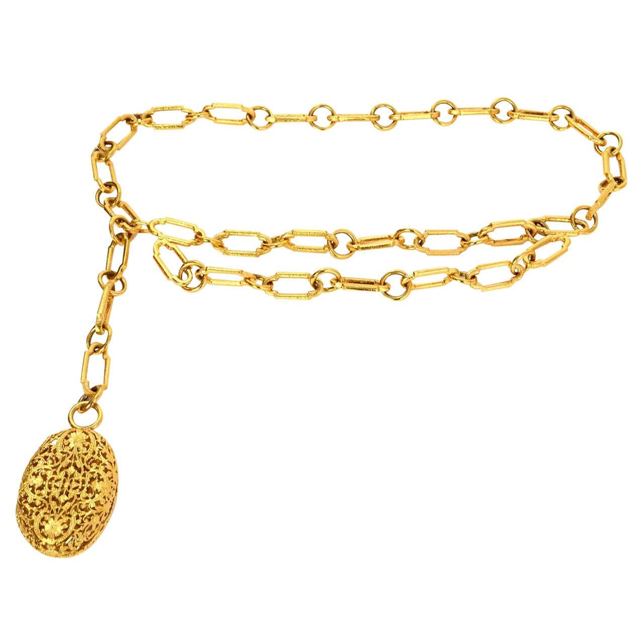 CHANEL Gold Chain Link Filigree Medallion Belt 1