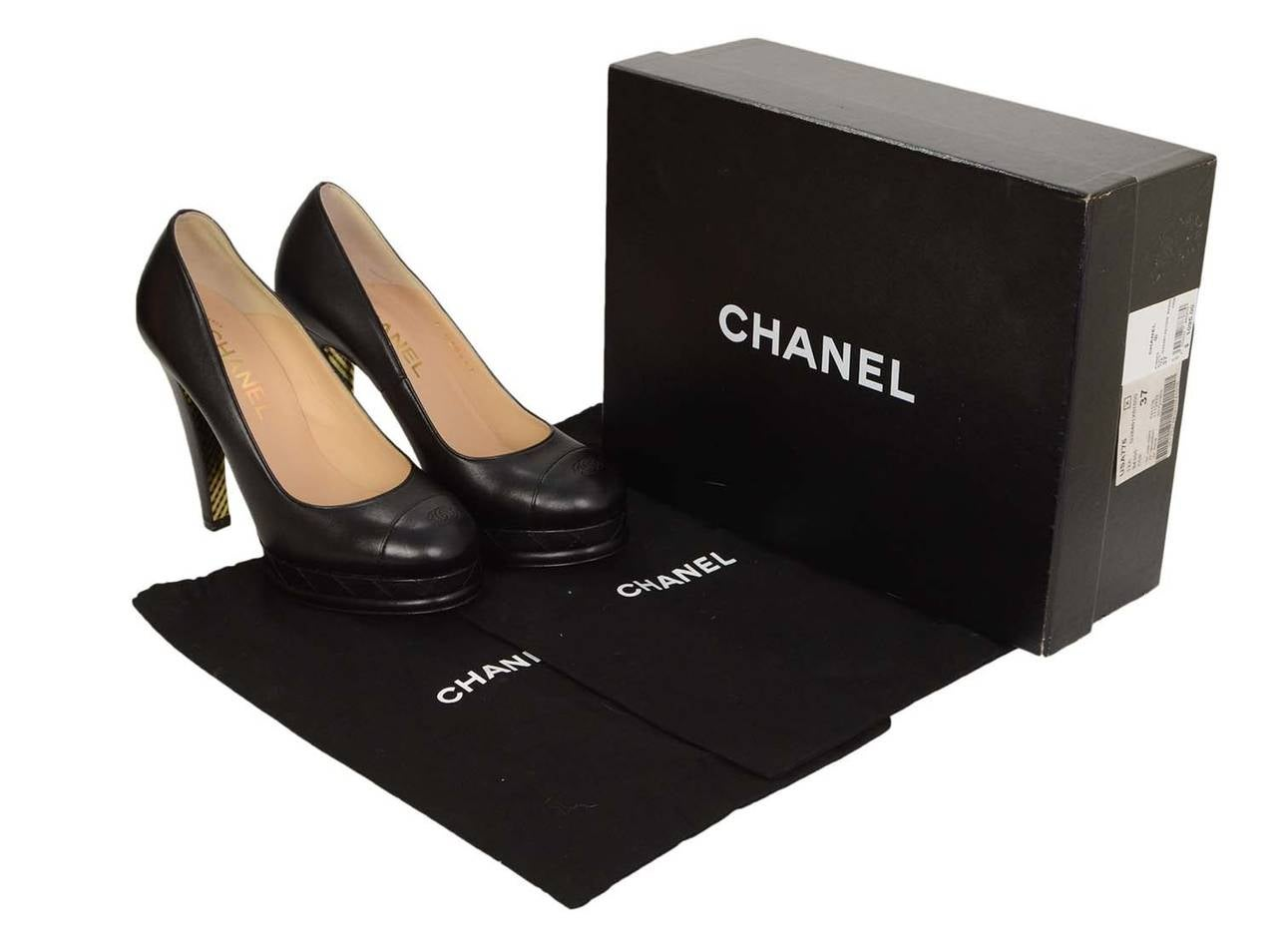 CHANEL Black Leather Round Toe Pumps sz 37 7