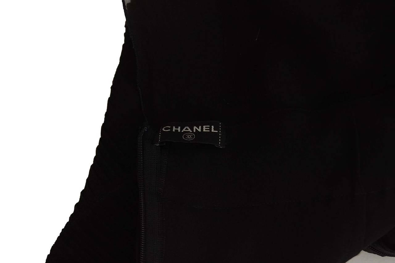 CHANEL Black Silk Short Sleeve Pleated Dress sz 42 5
