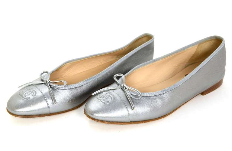 CHANEL Silver Leather Ballet Flats Sz 40 Rt. $675 2
