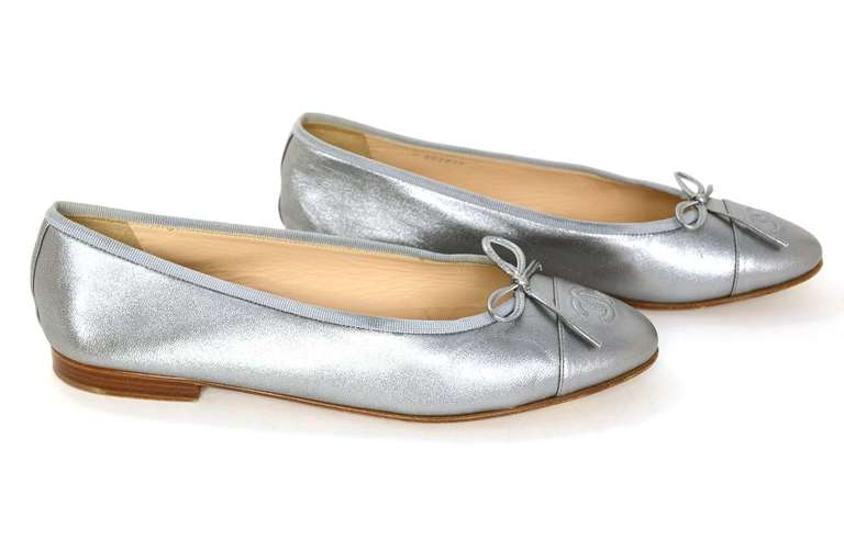 CHANEL Silver Leather Ballet Flats Sz 40 Rt. $675 3
