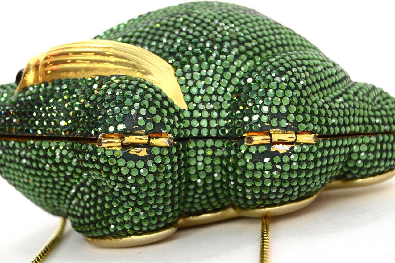 Judith Leiber Green Crystal Frog Minaudiere Bag GHW In Excellent Condition For Sale In New York, NY
