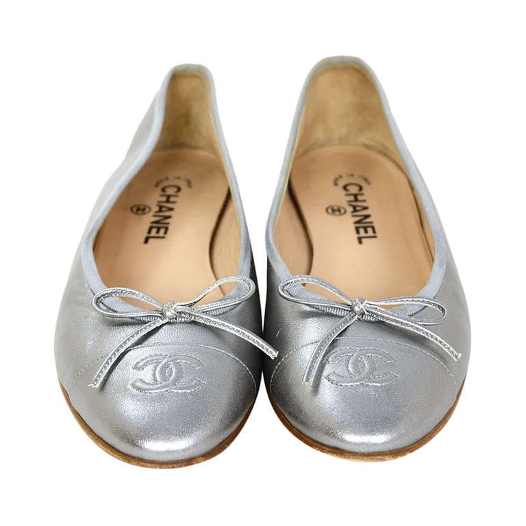 CHANEL Silver Leather Ballet Flats Sz 40 Rt. $675 1