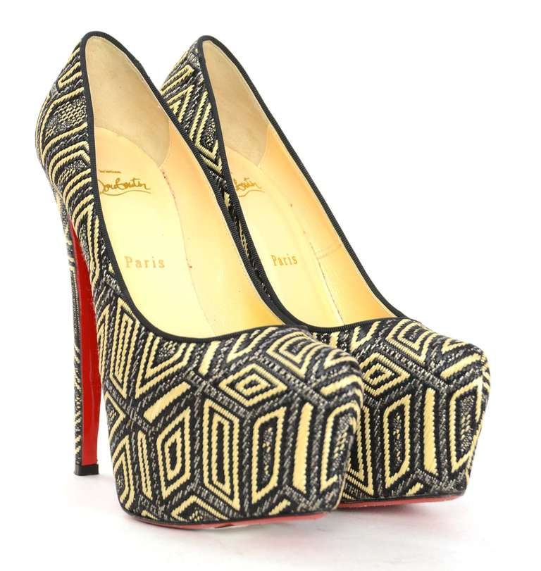 CHRISTIAN LOUBOUTIN Woven Raffia Daffodil Platform Shoes Sz 39 1/2 2
