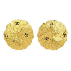 CHANEL Vintage '87 Textured Gold Disc Clip On Earrings