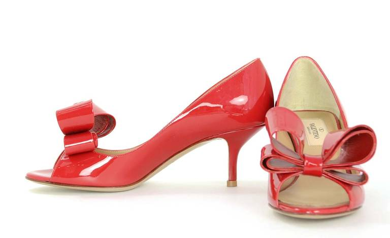 Valentino New Red Patent Leather Pep Toe Bow Kitten Heels