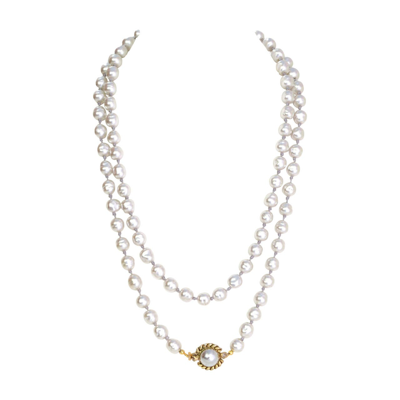CHANEL Vintage '81 Grey Pearl Long Strand Necklace 1