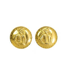 CHANEL Vintage '70s-'80s Gold Coco Clip On Earrings