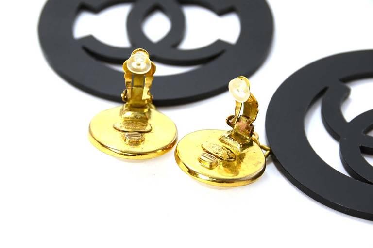 Chanel 1988 Rare XL Pearl Clip Earrings w/ Black Resin Hanging CC 3