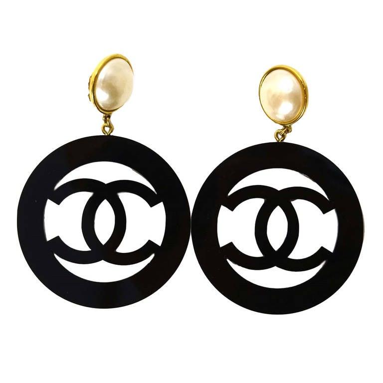 Chanel 1988 Rare XL Pearl Clip Earrings w/ Black Resin Hanging CC 1