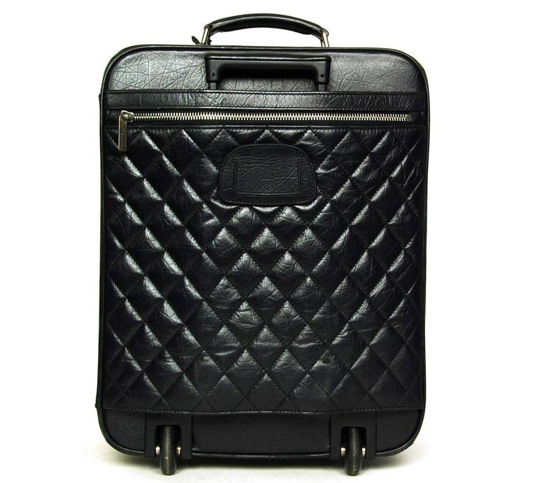 082bc6e2e70 Chanel 2007 Black Distressed Quilted Leather Rolling Suitcase Luggage Bag  In Good Condition For Sale In