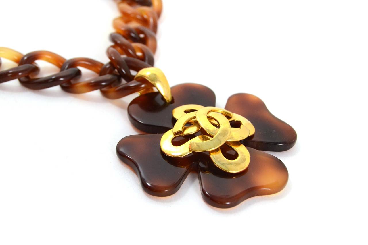 Chanel Vintage '95 Tortoise & Gold Four Leaf Clover Necklace 