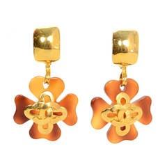 Chanel Vintage '95 Tortoise & Gold Four Leaf Clover Clip On Earrings