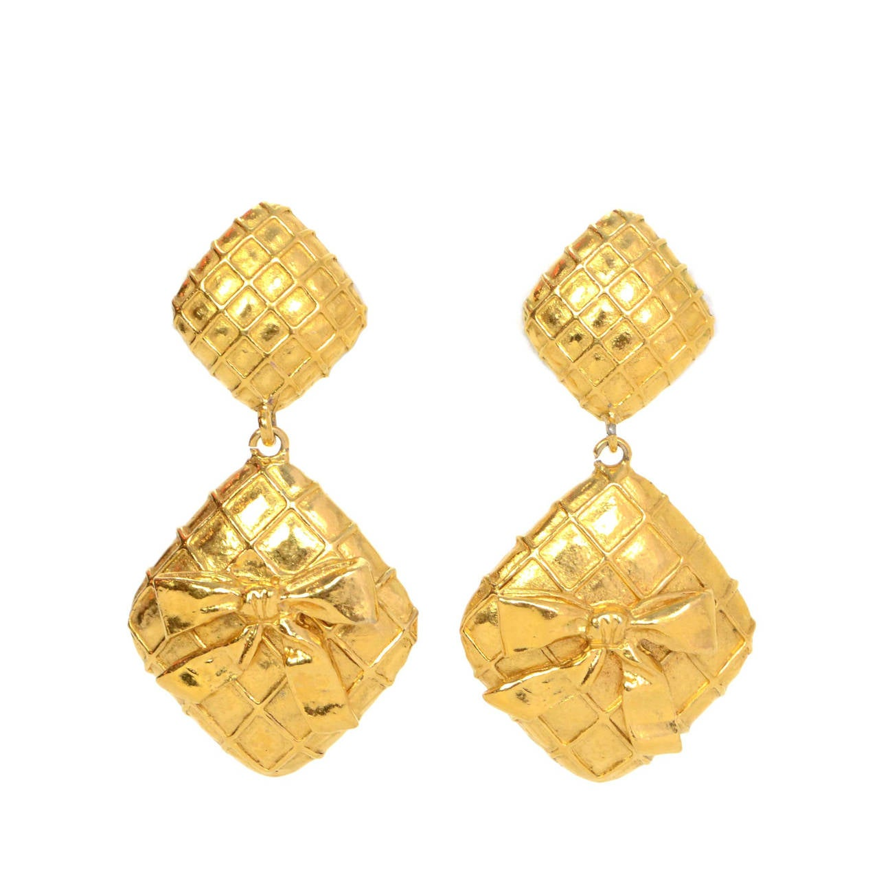 Chanel Vintage '70s Gold Double Diamond & Bow Clip On Earrings 1