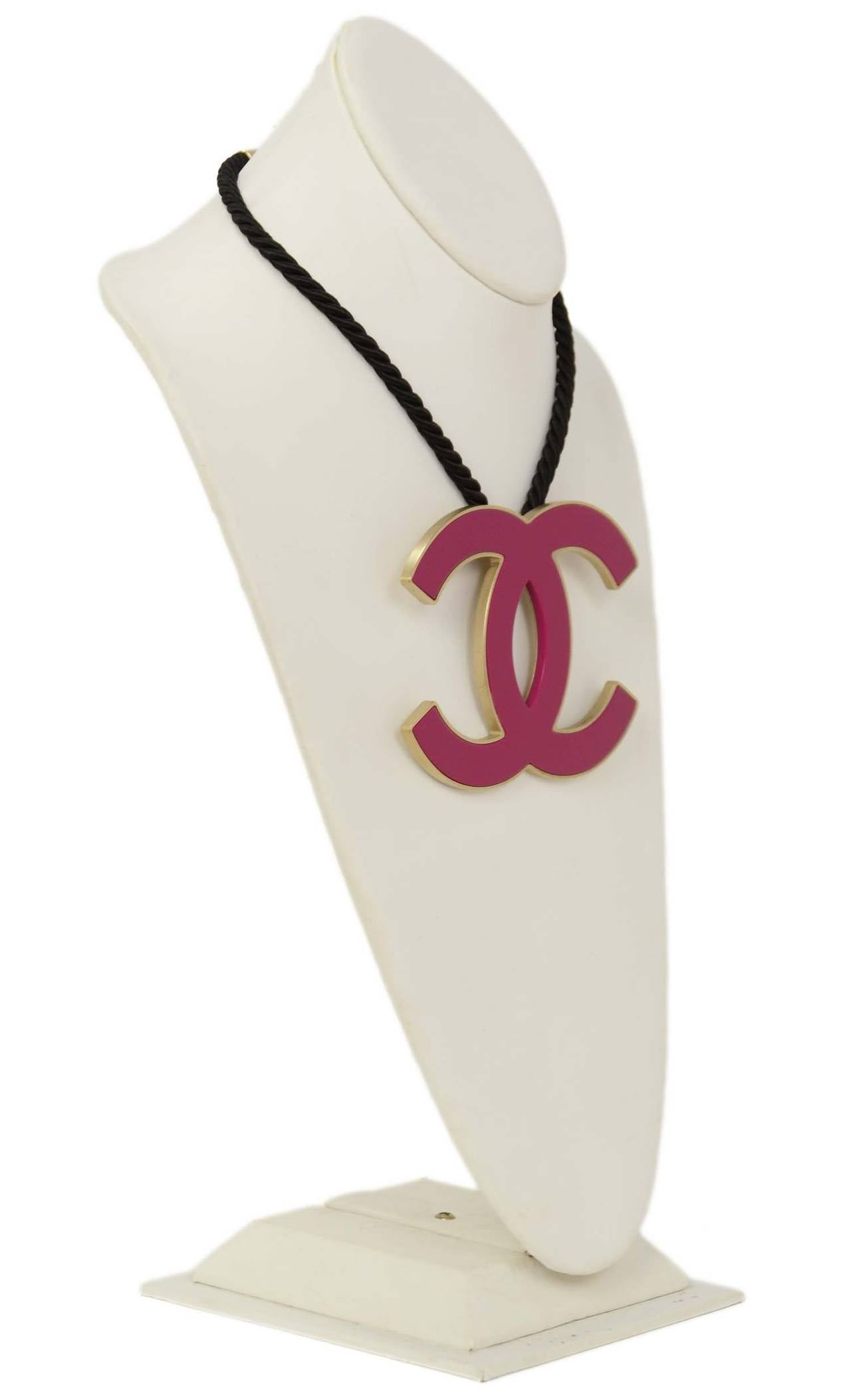 CHANEL 2008 Fuschia Pink Resin XL CC Necklace 2