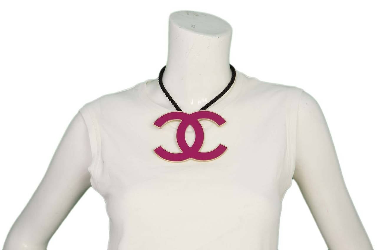 CHANEL 2008 Fuschia Pink Resin XL CC Necklace 5