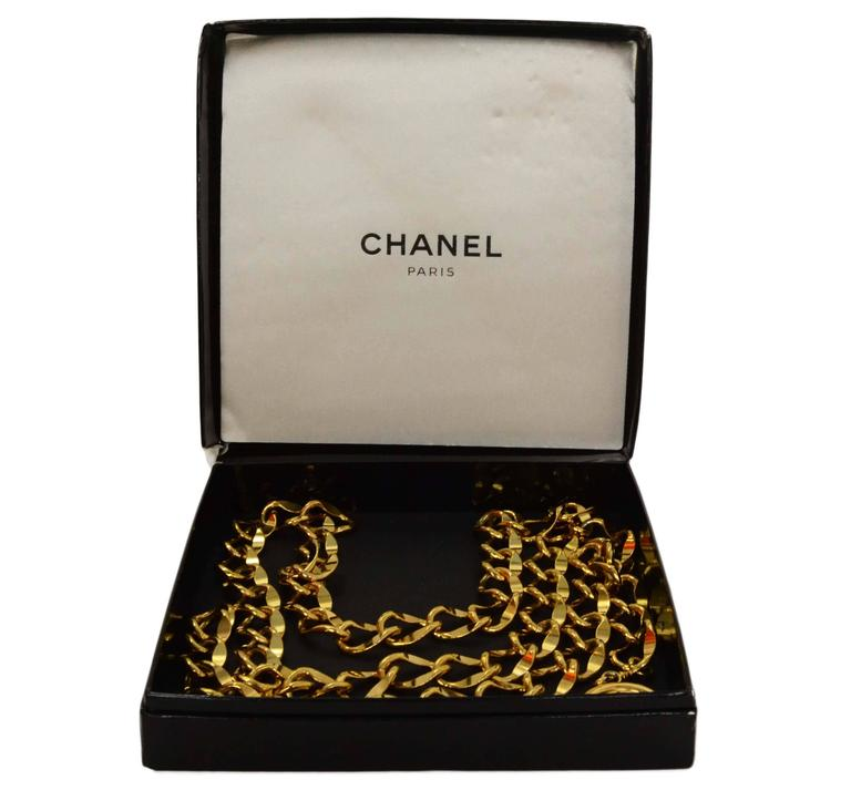 Chanel Gold Chain Link Medallion Belt 4
