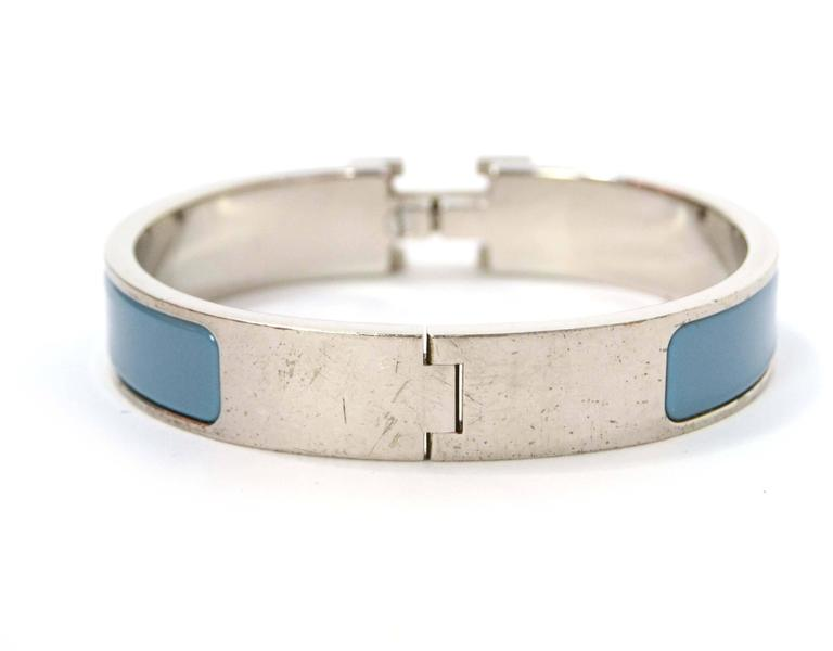 Hermes Blue Jean Palladium Enamel Narrow Clic Clic Bracelet In Excellent Condition For Sale In New York, NY