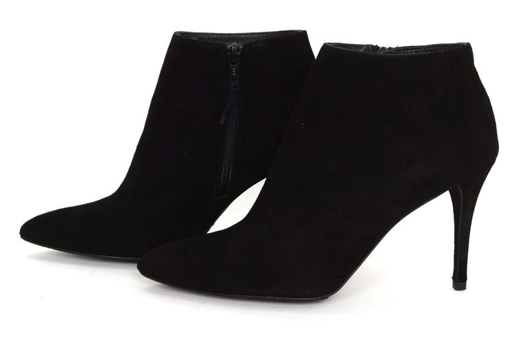 Stuart Weitzman Black Suede Carltone Booties Made In: Spain Color: Black Materials: Suede Closure/Opening: Inside ankle zip up Sole Stamp: Stuart Weitzman Made in Spain Overall Condition: Excellent pre-owned condition Includes: Stuart