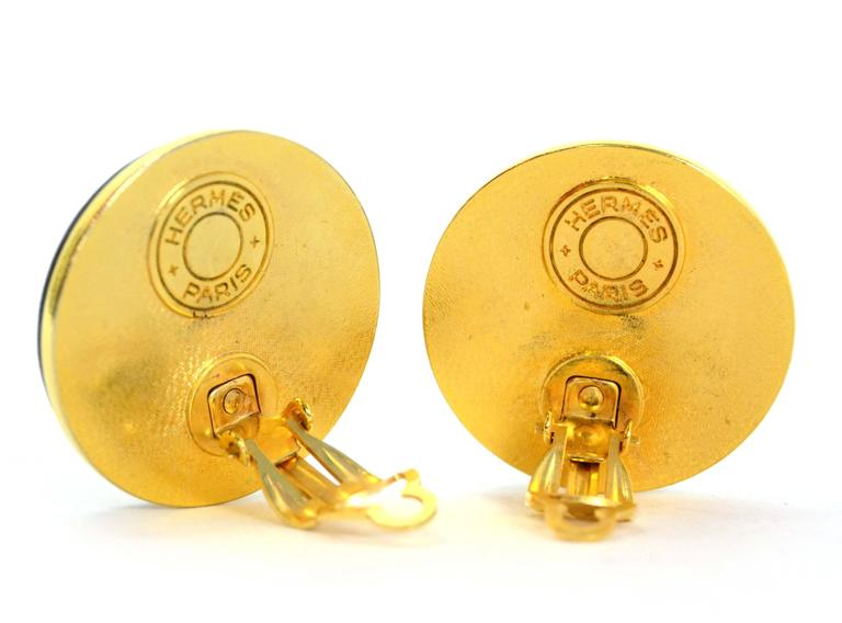 Hermes Black Leather & Gold Medor Clip On Earrings In Excellent Condition For Sale In New York, NY