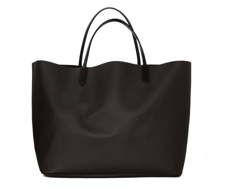 6849a8527ff7c Givenchy Black SOLD OUT Rottweiler Large Antigona Tote Bag In Excellent  Condition For Sale In New