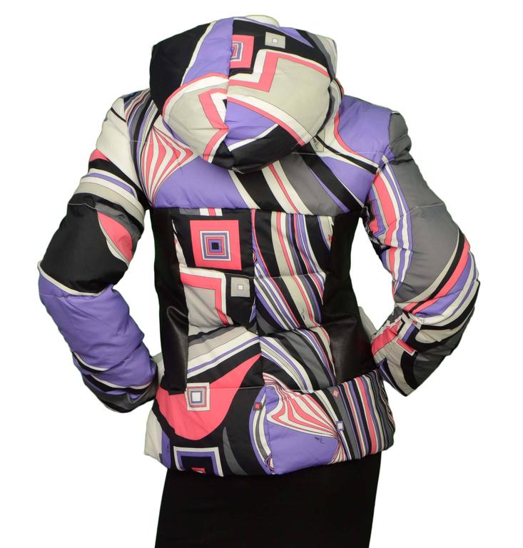 Emilio Pucci Multi-Colored Geometric Down Coat sz 38 In Excellent Condition For Sale In New York, NY