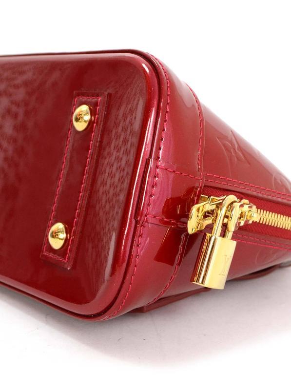 7208307de09b Louis Vuitton Red Monogram Vernis Mini Alma BB Crossbody Bag In Excellent  Condition For Sale In