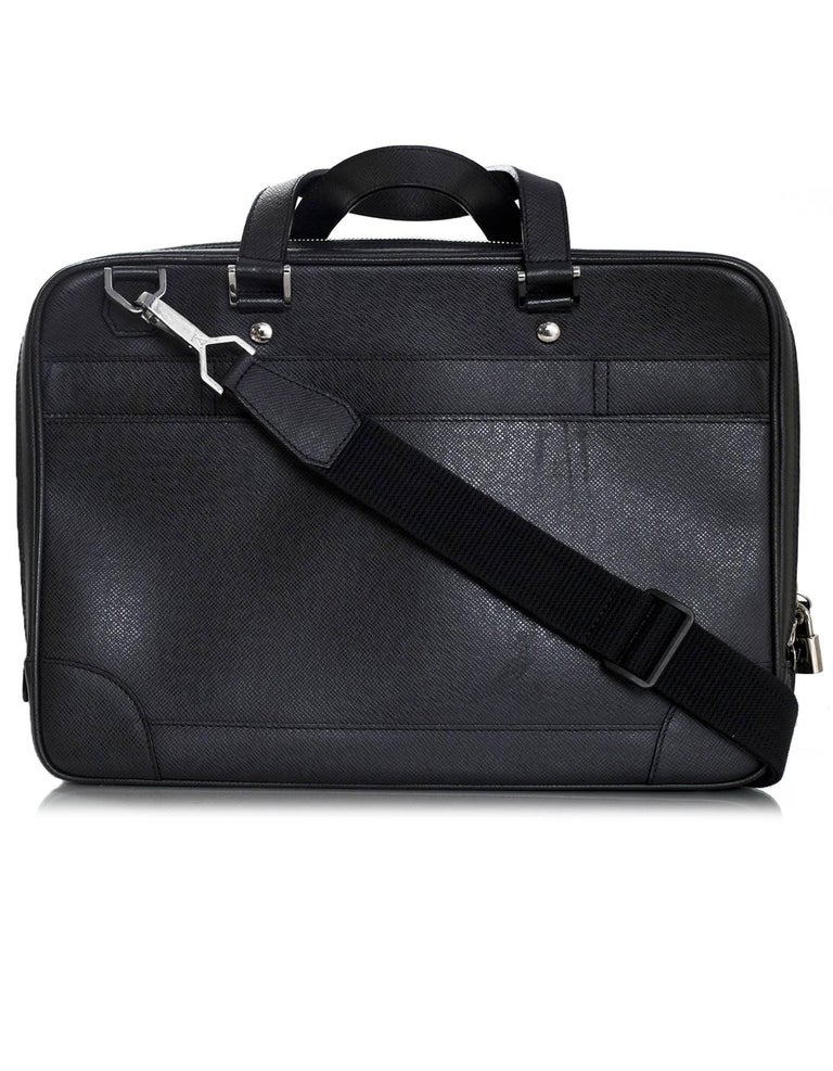 16093dbed371 Louis Vuitton Black Taiga Leather Briefcase Laptop Computer Bag In  Excellent Condition For Sale In