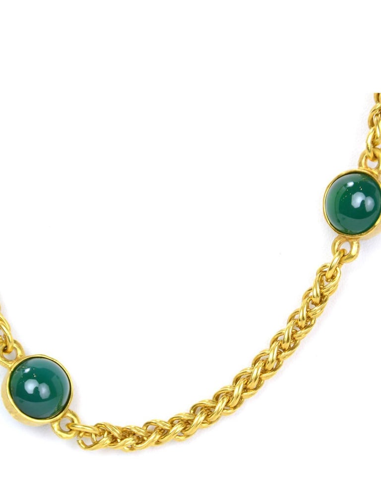 CHANEL Vintage '95 Gold Link & Green Gripoix Necklace In Excellent Condition For Sale In New York, NY