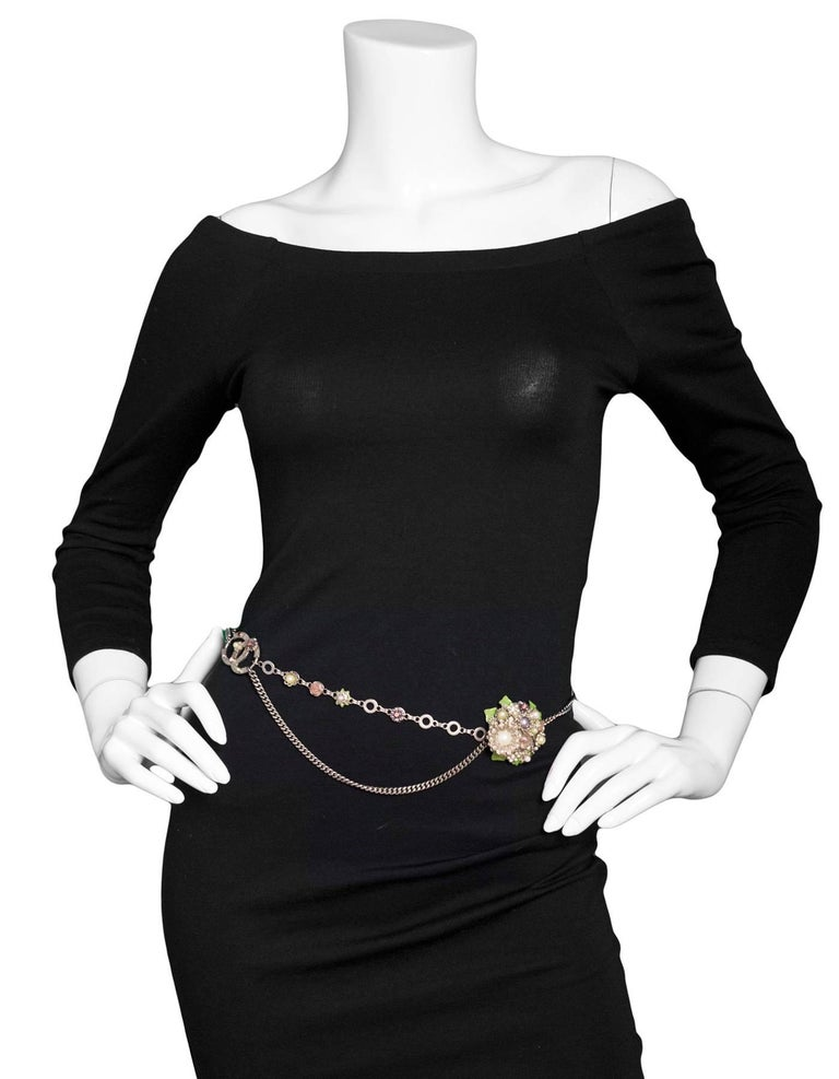 Chanel Silver Flower & CC Chain Belt /Necklace sz L/EU 90 In Excellent Condition For Sale In New York, NY
