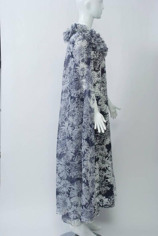 Don Luis de España Print Cape Gown 3