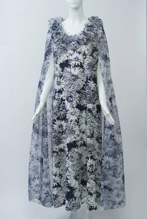 Don Luis de España Print Cape Gown 6