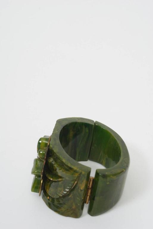 Bakelite Green Hinged Bangle For Sale 4