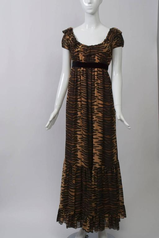 Anne Fogarty  Print Maxi Dress In Excellent Condition For Sale In Alford, MA