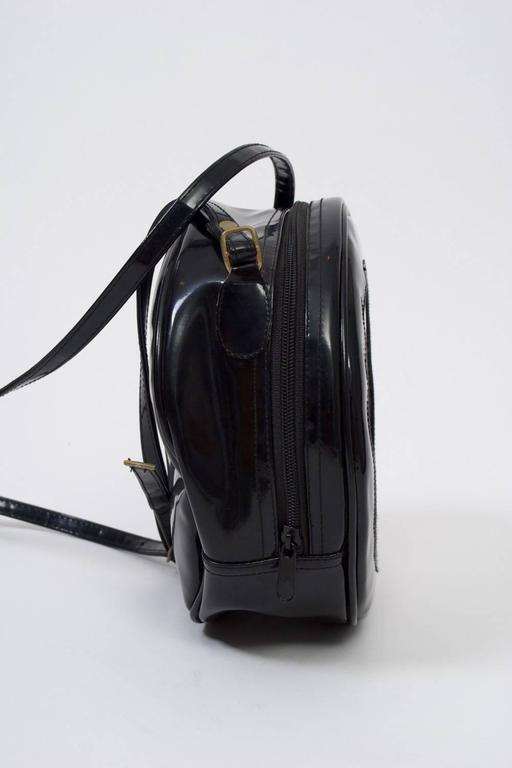 1980s Clock Shoulder Bag In Excellent Condition For Sale In Alford, MA