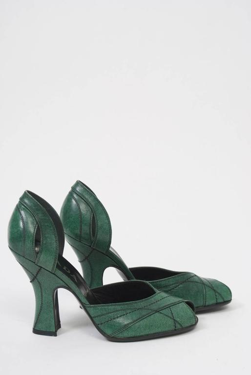 Prada Green Leather D'Orsay Pumps In New Condition For Sale In Alford, MA