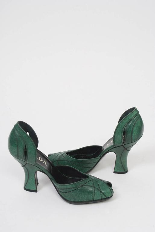 Prada Green Leather D'Orsay Pumps For Sale 2