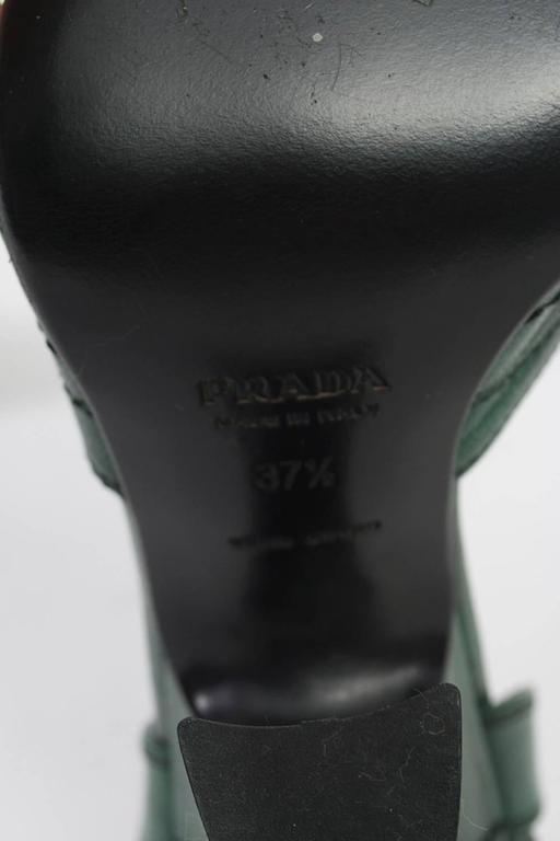 Prada Green Leather D'Orsay Pumps For Sale 4