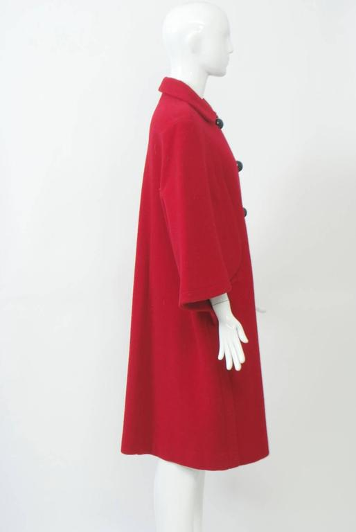 Adolfo Red Cape Coat In Excellent Condition For Sale In Alford, MA