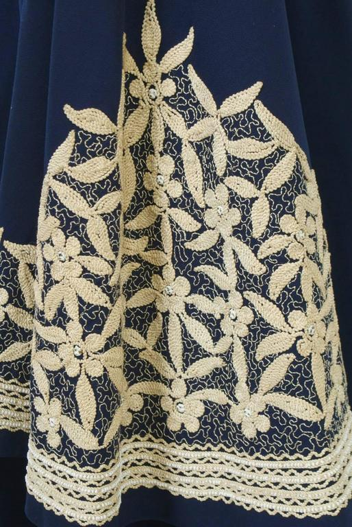 1940s Embroidered Coat For Sale 2