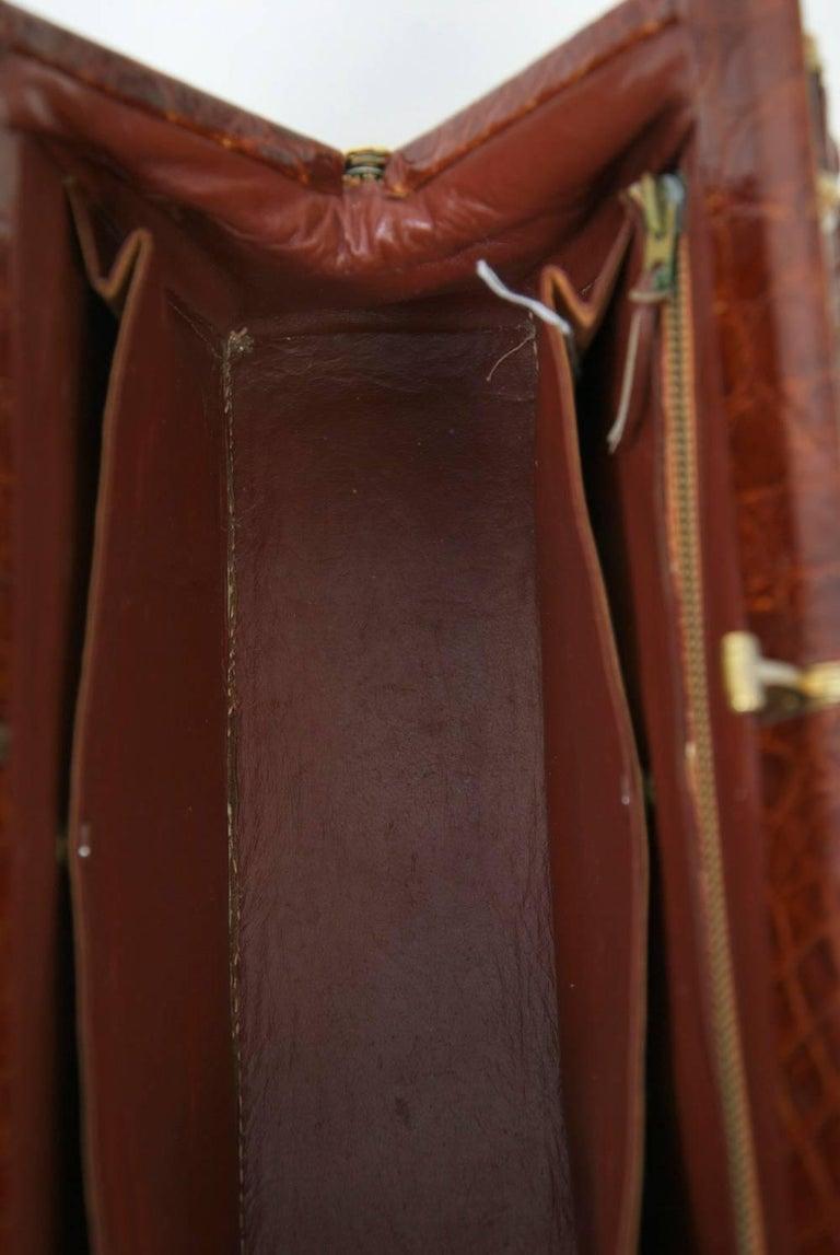 Cognac Crocodile Handbag, France For Sale 2