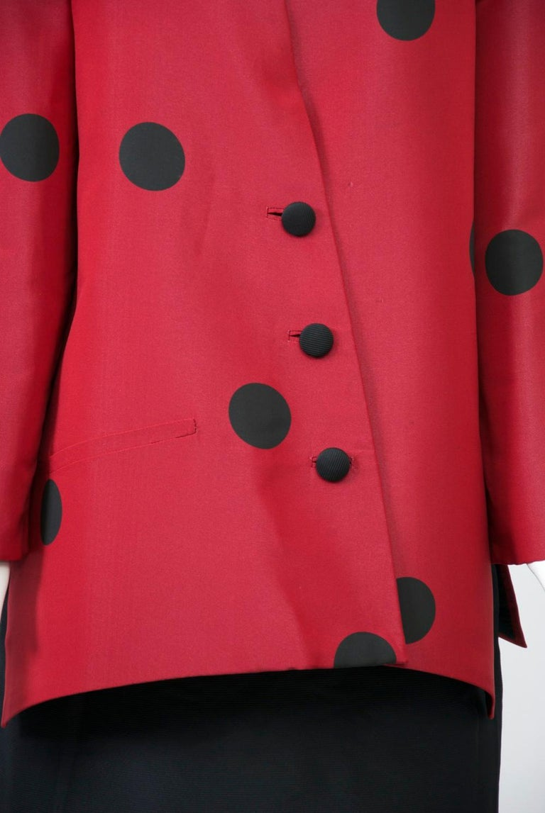Geoffrey Beene Red and Black Silk Suit In Good Condition For Sale In Alford, MA