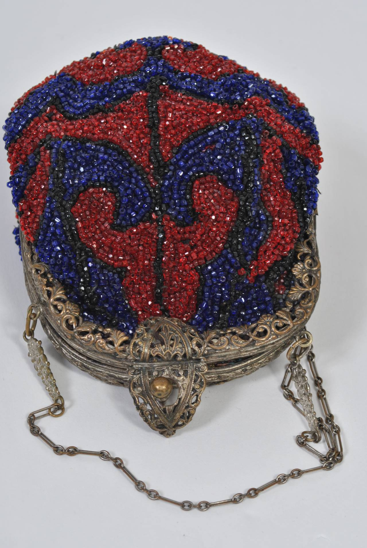 1930s Red and Blue Beaded Purse In Excellent Condition For Sale In Alford, MA