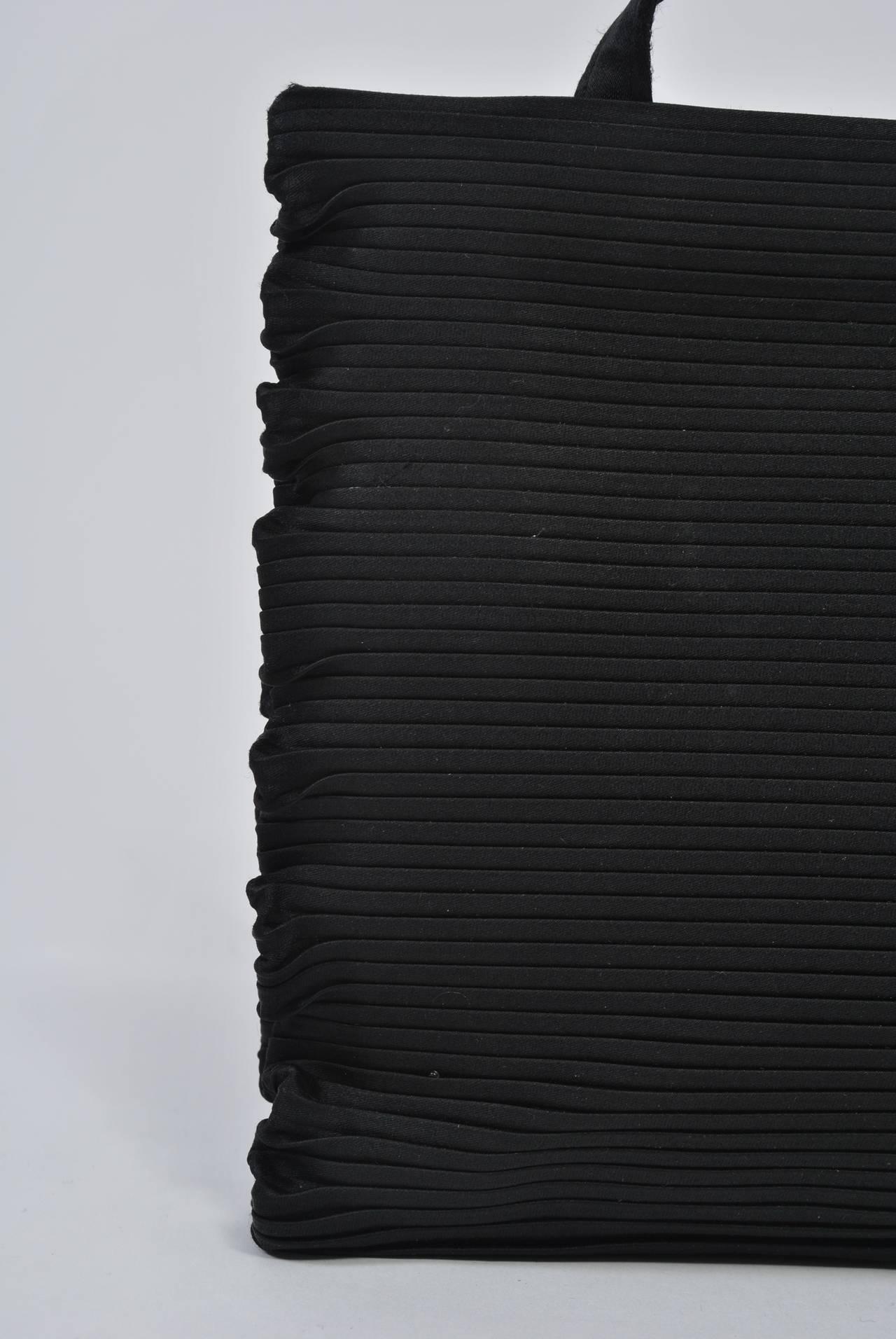 Black Ribbed Evening Bag For Sale 2